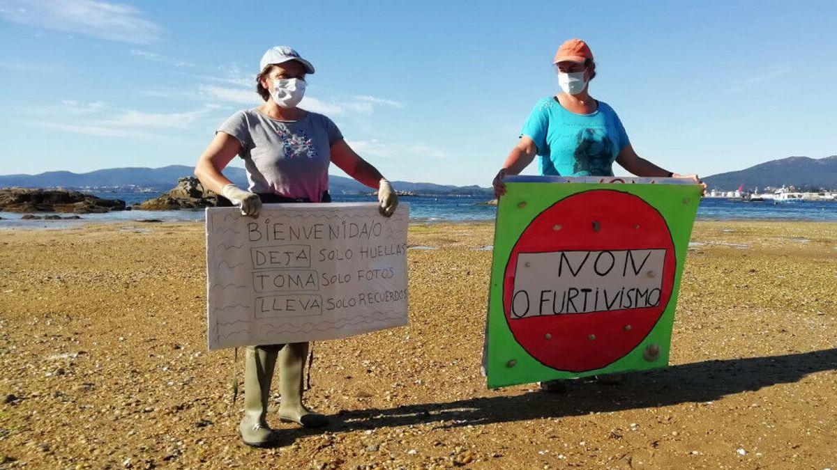 """Las mariscadoras conciencian contra el furtivismo: """"¿Trabajarías gratis para proteger tu oficina de los ladrones?"""""""