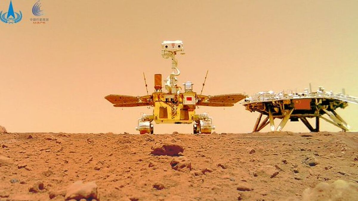 El rover chino Zhurong envía un 'selfie' desde Marte y se viraliza en las redes