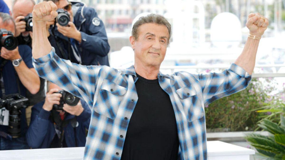 La exhibición de fuerza de Sylvester Stallone a sus casi 75 años