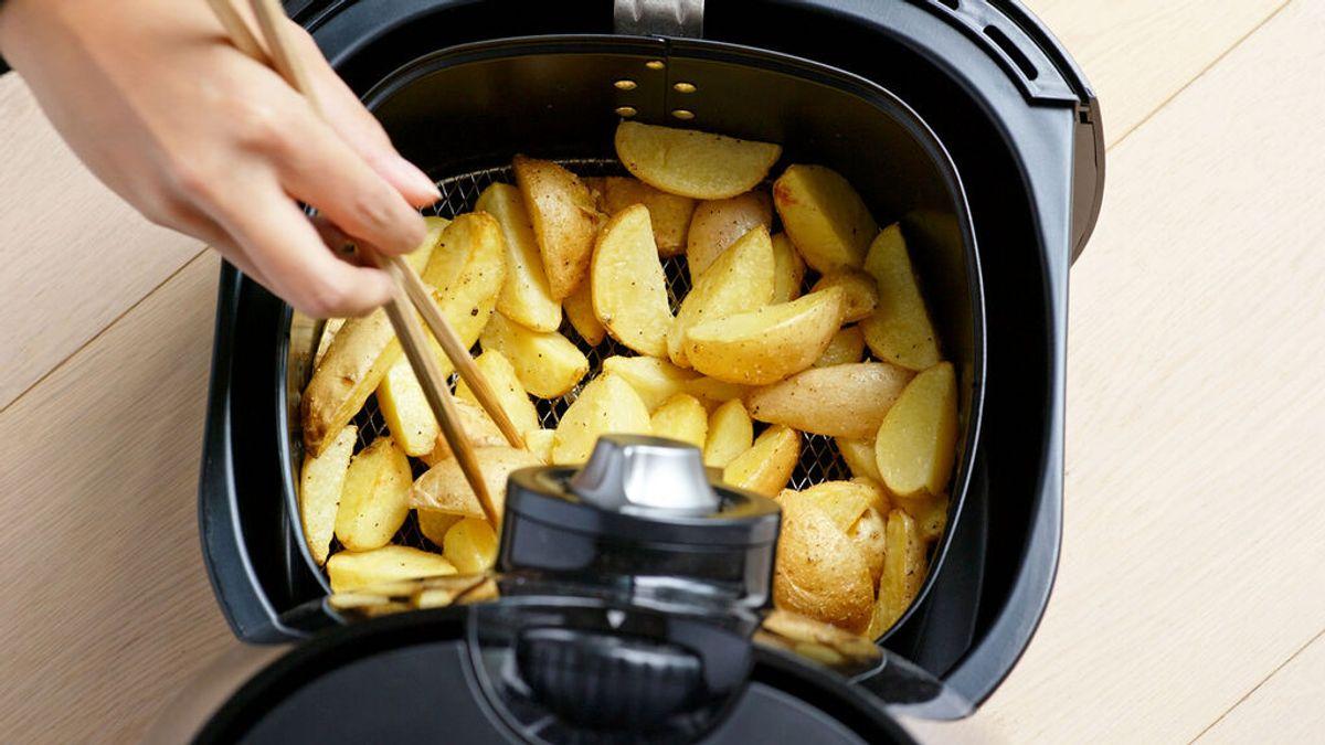 Patatas fritas con la mitad de calorías y otros milagros de las freidoras de aire