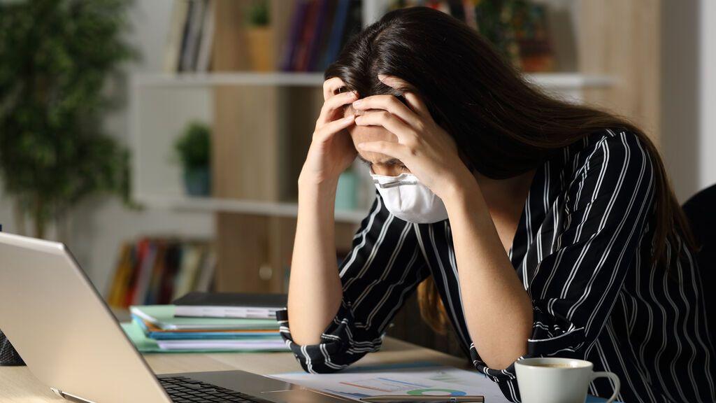 Más estrés, depresión o ansiedad: el teletrabajo pasa factura en 2020