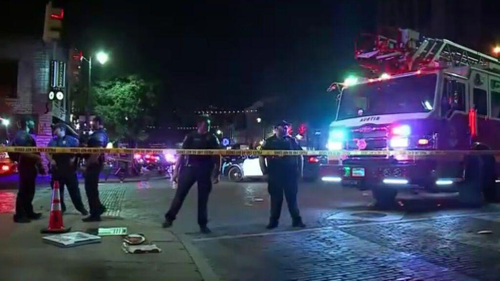 Un tiroteo en una zona de ocio de Austin, Texas, se salda con 13 heridos