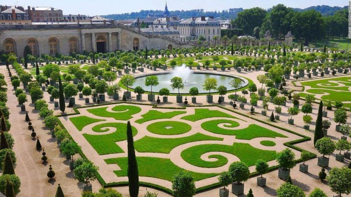 Alojarse en el Palacio de Versalles ya es posible: abre un hotel de lujo en la residencia real francesa