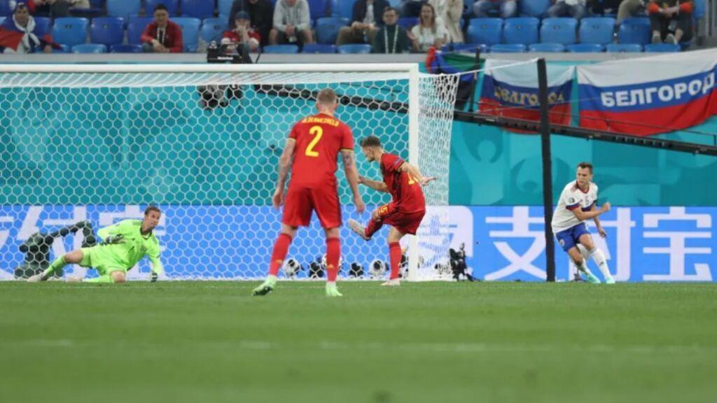 Meunier anota el segundo gol de Bélgica ante Rusia