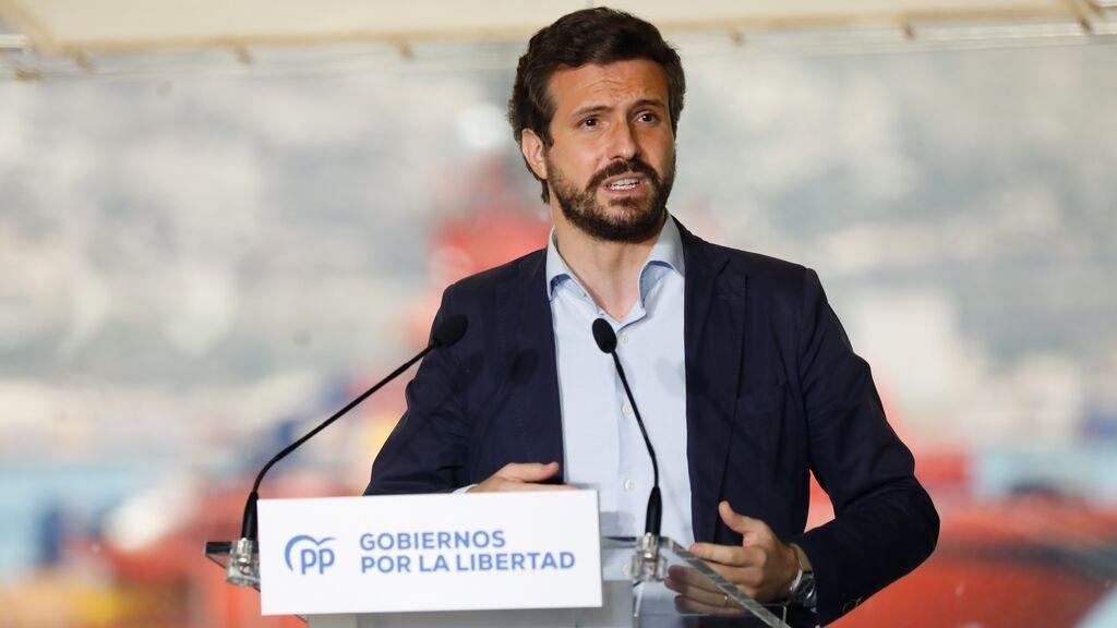 """Pablo Casado se compromete a que, cuando sea presidente, """"el Aeropuerto Internacional se llame Juan de la Cierva"""""""
