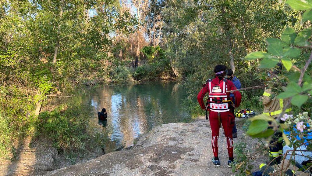 Muere un menor tras saltar a un río desde un puente en Lleida