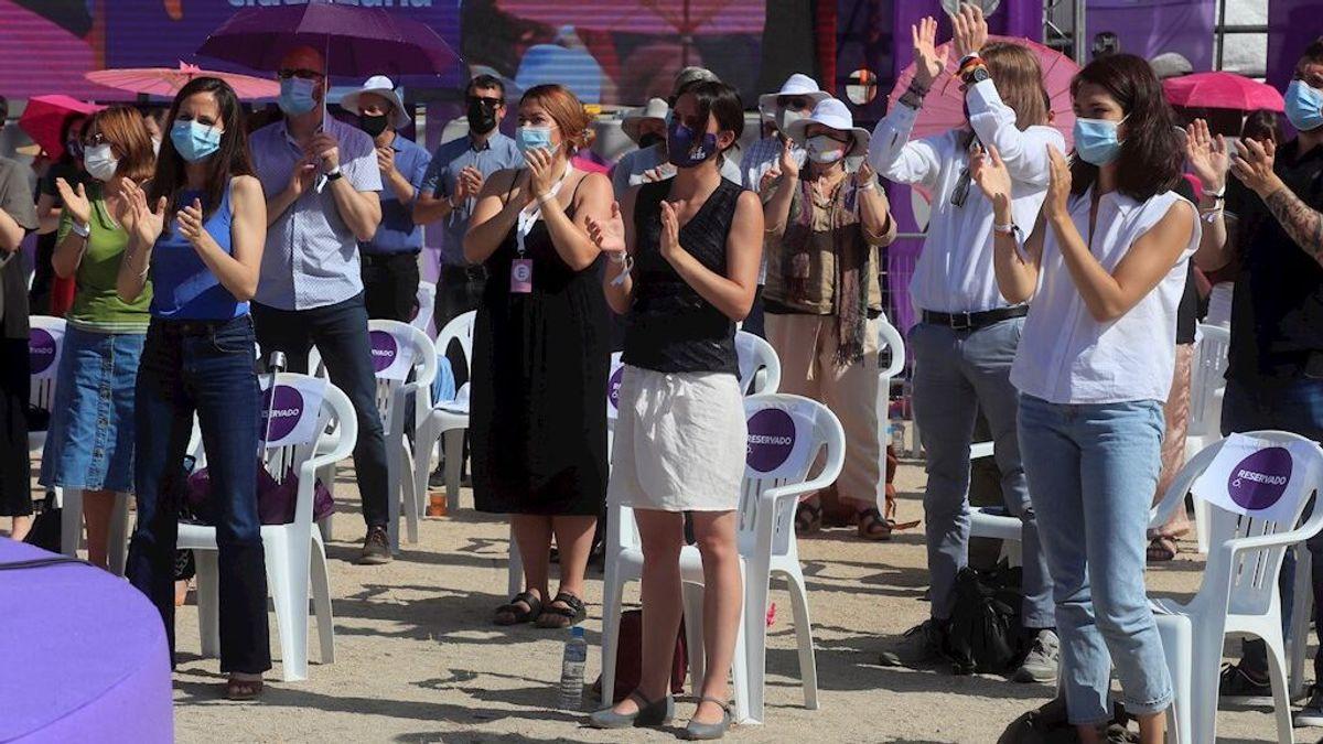 Las bases de Podemos ovacionan a un Iglesias ausente en el cierre de la Asamblea
