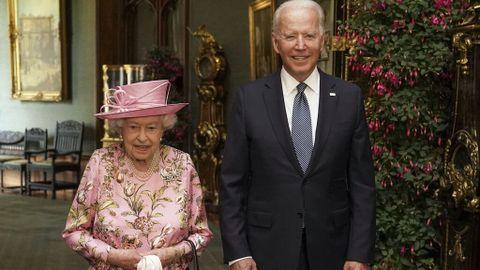 Los Biden toman el té con la reina Isabel II en el Palacio de Windsor tras  la cumbre del G7 - NIUS