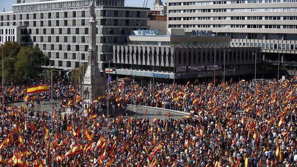 Aforo completo en la manifestación de Colón contra los indultos