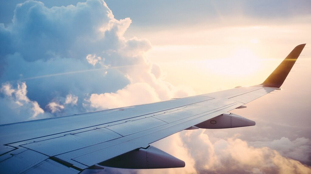 """La esperanzadora carta que dejó un piloto en un avión antes del confinamiento: """"Hay luz al final del túnel"""""""