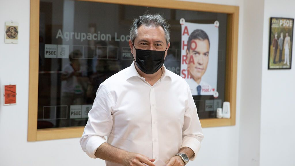 EuropaPress_3777617_alcalde_sevilla_juan_espadas_vota_primarias_psoe-a_aspira_convertirse