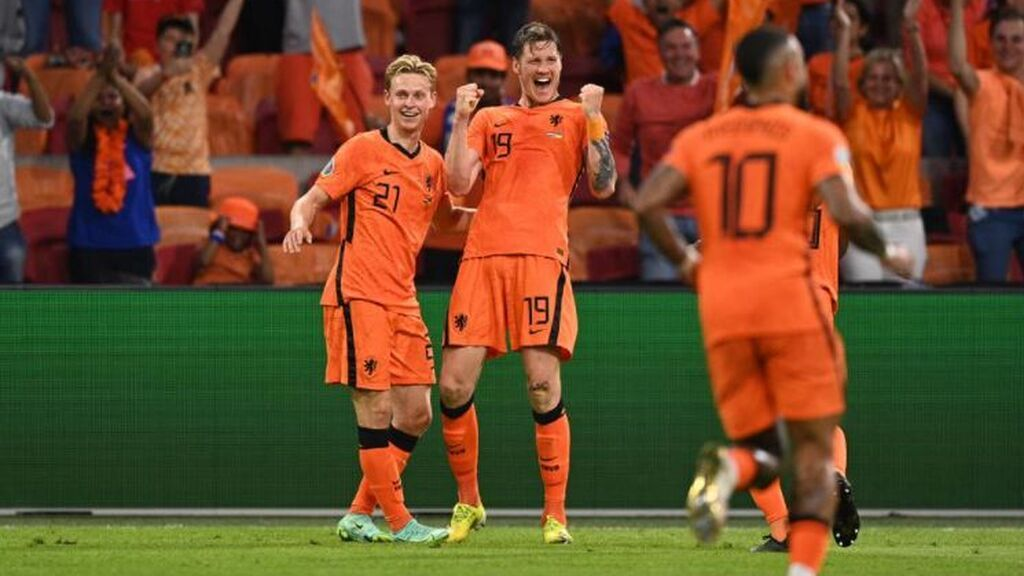 Dumfries es un puñal por la banda: Weghorst anota el segundo gol de Países Bajos ante Ucrania