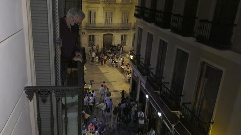 El fin del toque de queda, un infierno para los vecinos del centro de Málaga