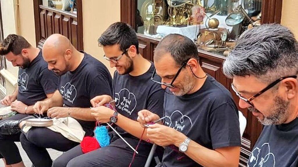 hombres tejedores de canarias