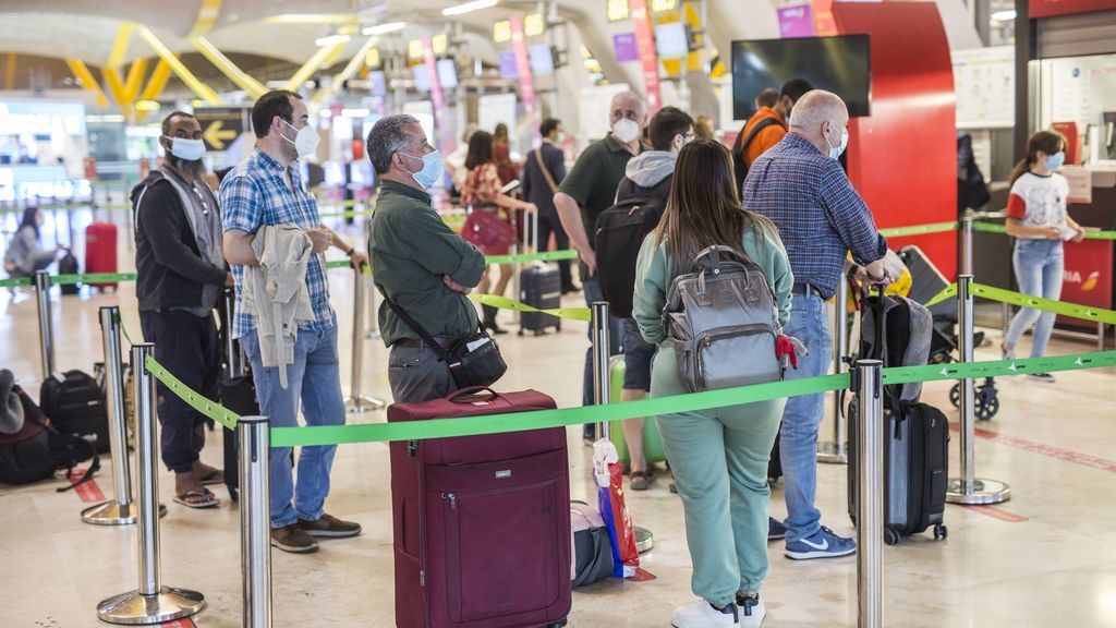 Economía/Turismo.- Los aeropuertos de Aena registraron 5,8 millones de pasajeros en mayo, un 76,1% menos que en 2019