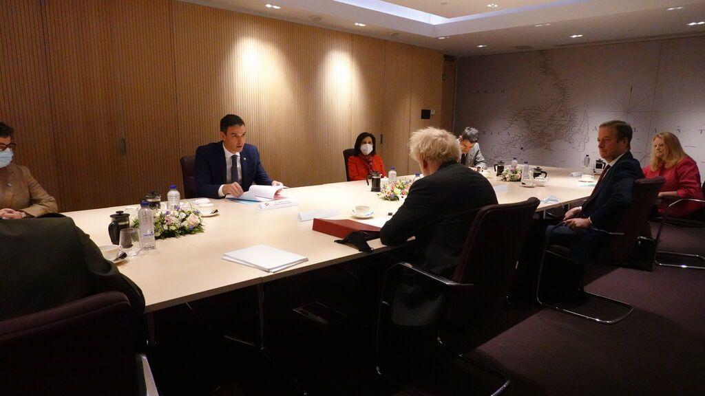 Sánchez y Jhonson en un encuentro bilateral