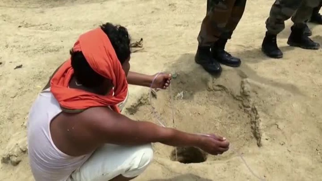 Rescatan a un niño de 4 años en un pozo de la India