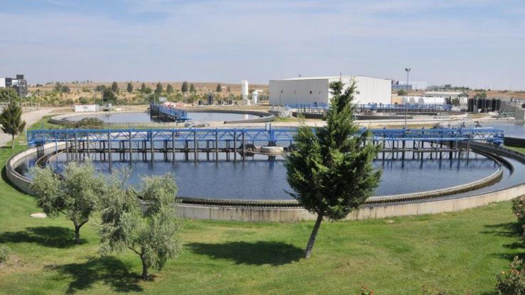 El covid presente en aguas residuales llega al nivel más bajo desde el verano de 2020