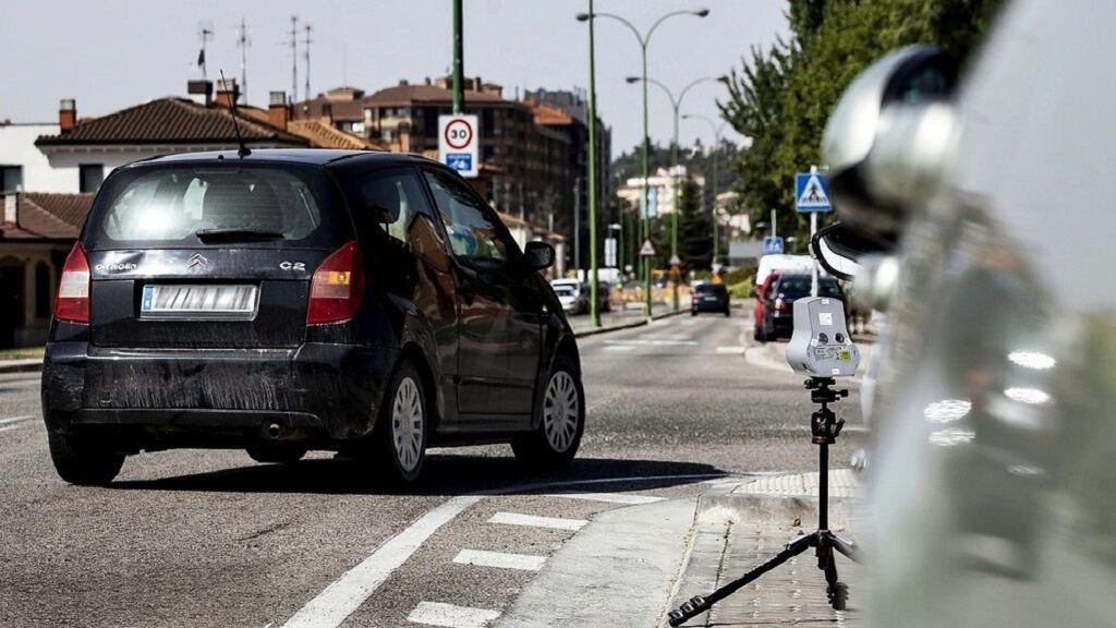Ya hay ciudades que multan con radares si vas a más de 30 km/h en ciudad