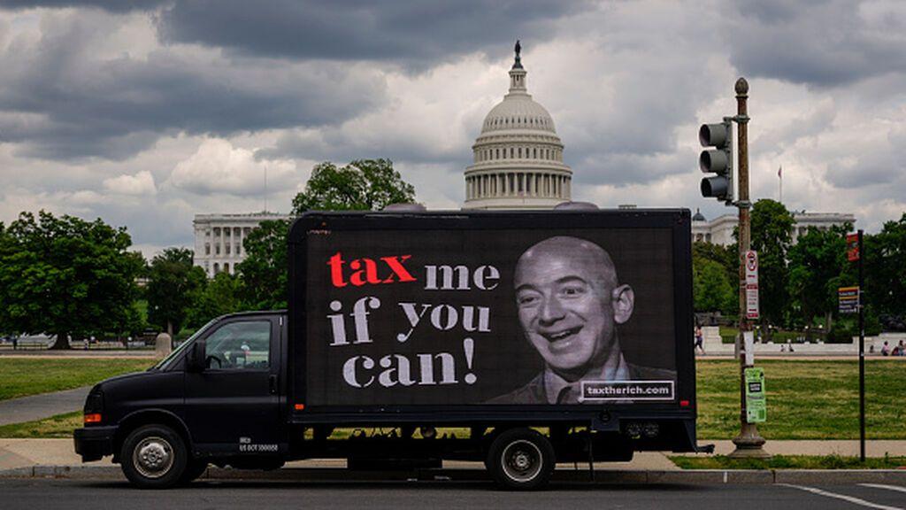 """¿Pagan """"los multimillonarios"""" pocos impuestos en Estados Unidos?"""