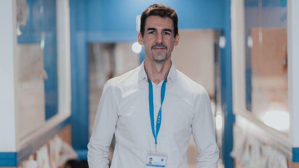 Un profesor español diseña una app para comunicarse por lengua de signos en tiempos de mascarilla