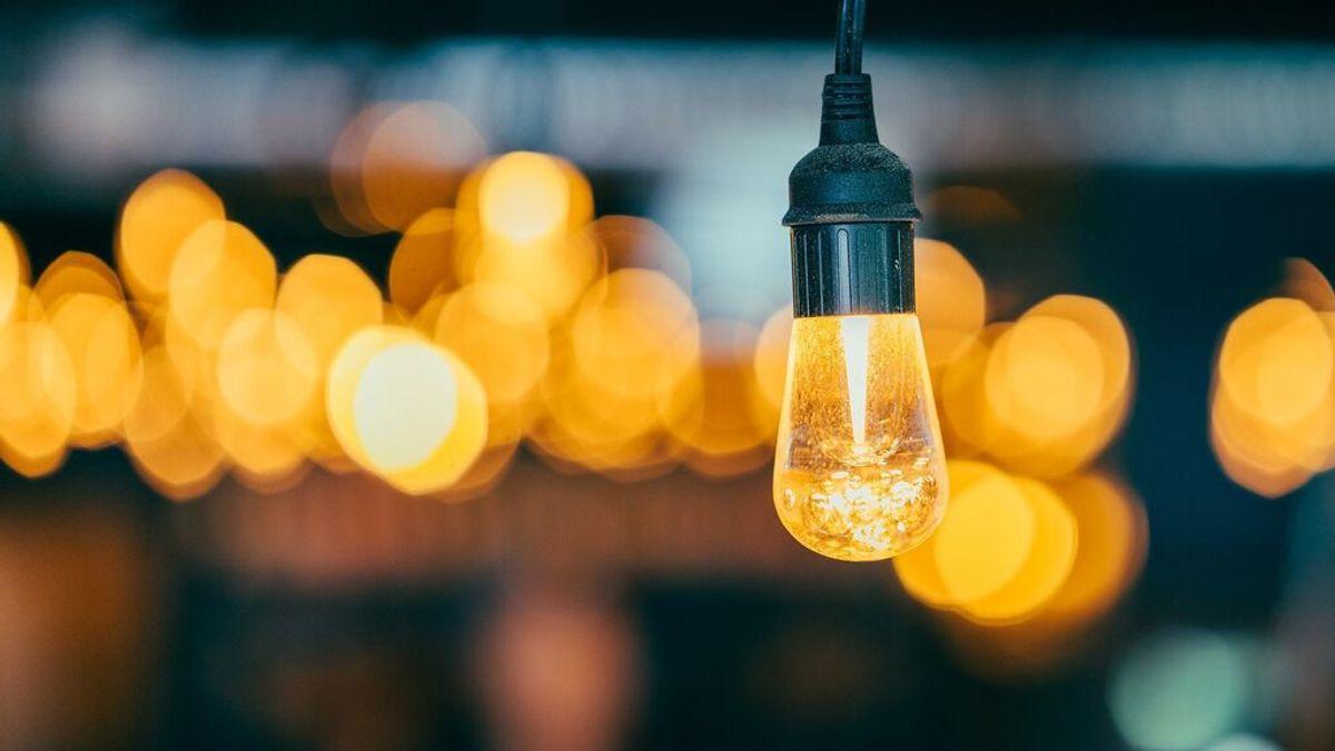 Los elementos que influyen en cómo se calcula el precio de la luz