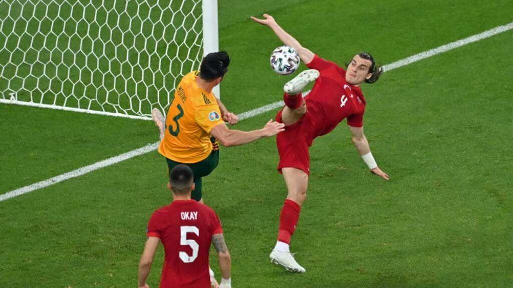 Gales entera se queja al árbitro: Todas las manos en el área ya no son penalti