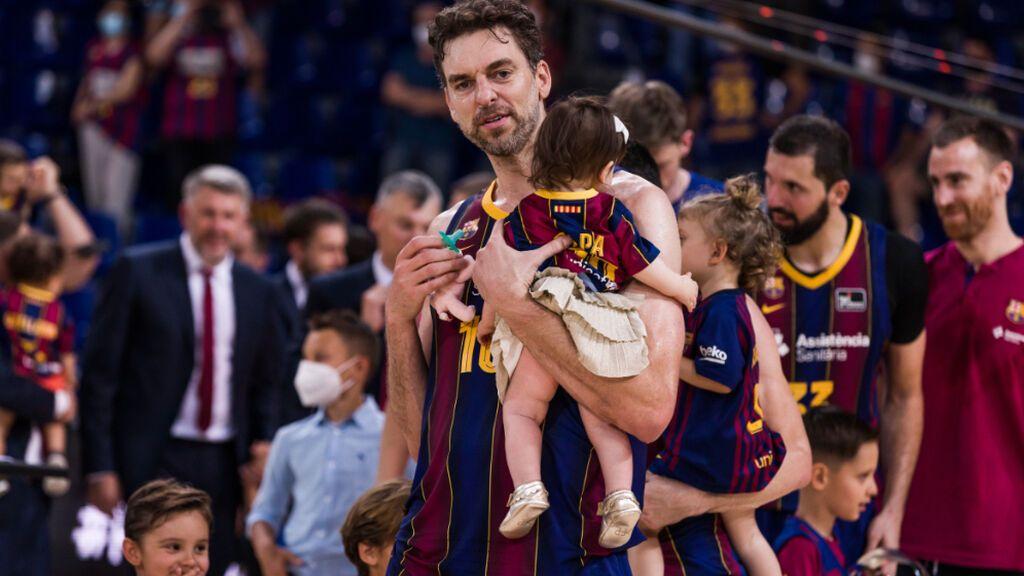 ¿Debe continuar Pau Gasol su carrera con el Barça? Vota en nuestra encuesta