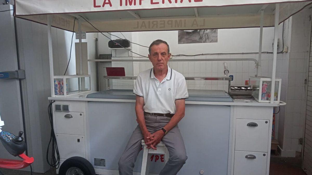 """Movilización para que vuelva el heladero más famoso de Santiago: """"¡Devuélvannos a Manolo y su carrito!"""""""