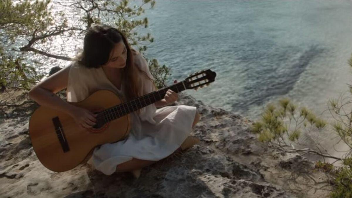 """Rigoberta Bandini le pone voz al anuncio del verano con 'A ver qué pasa': """"Ha sido un honor componer esta canción"""""""