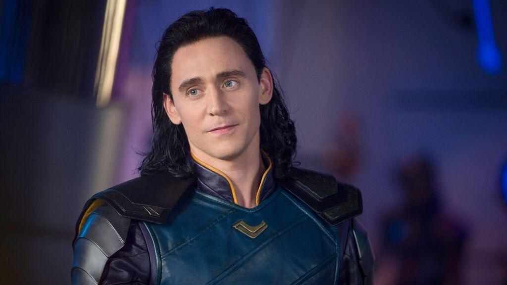 """Tom Hiddleston está encantado con el género fluido de Loki: """"Era así en la mitología"""""""
