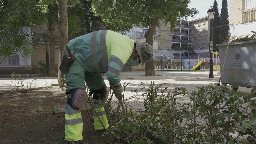 Mairena aprueba externalizar la limpieza viaria con apoyo del PSOE, PP y Cs, el no Adelante y Vox se abstiene