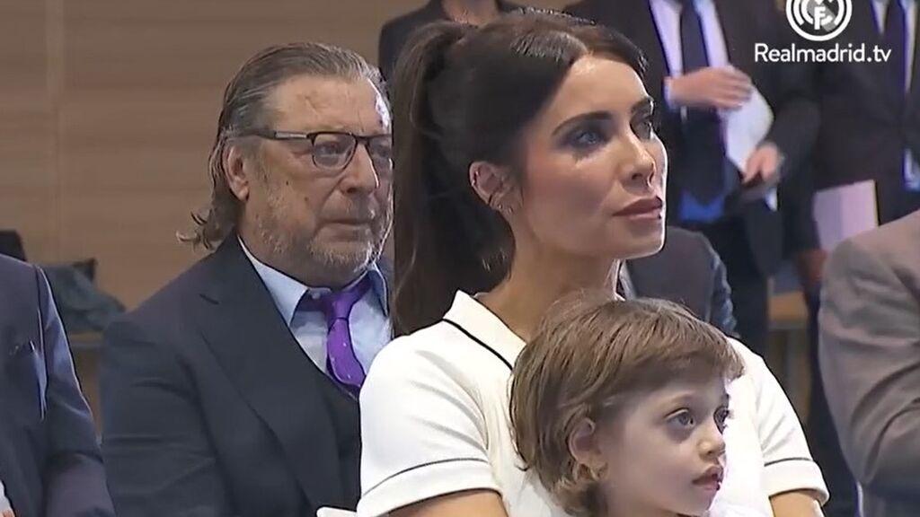 Pilar Rubio, escuchando el discurso de despedida de su marido, Sergio Ramos