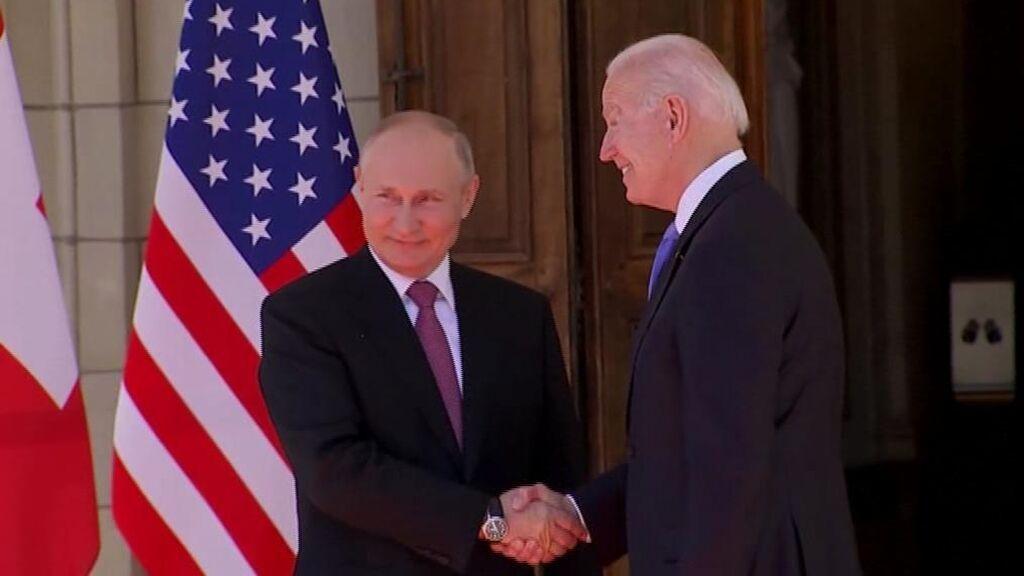 """Joe Biden y Vladimir Putin mantienen un """"constructivo"""" encuentro"""