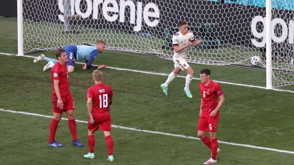 Detalle de mucha clase de De Bruyne para darle el gol a T. Hazard: Bélgica empata el encuentro ante Dinamarca