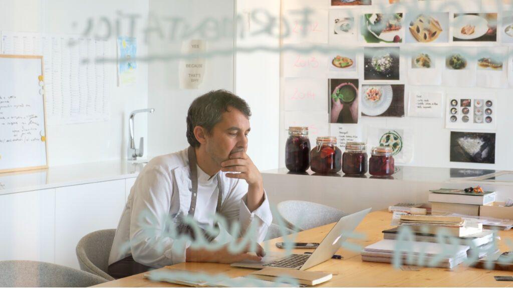 Javier Olleros, en su despacho