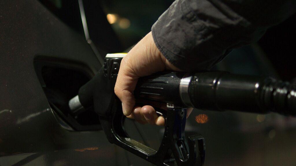 Las comunidades autónomas donde es más barato repostar gasolina en España
