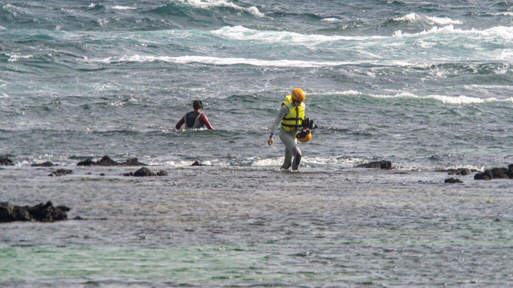 Los héroes de Órzola se vuelven a lanzar al mar para salvar a los inmigrantes de morir ahogados