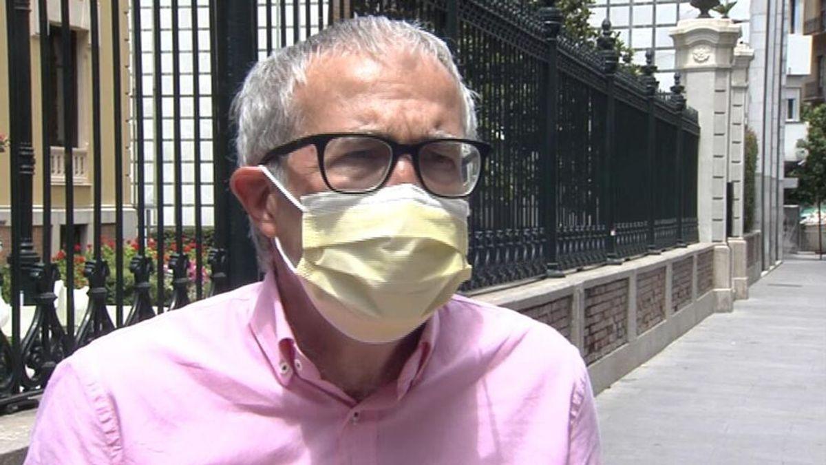 """Joan Carles March, experto en salud pública: """"Quitar las mascarillas en exteriores es precipitado"""""""
