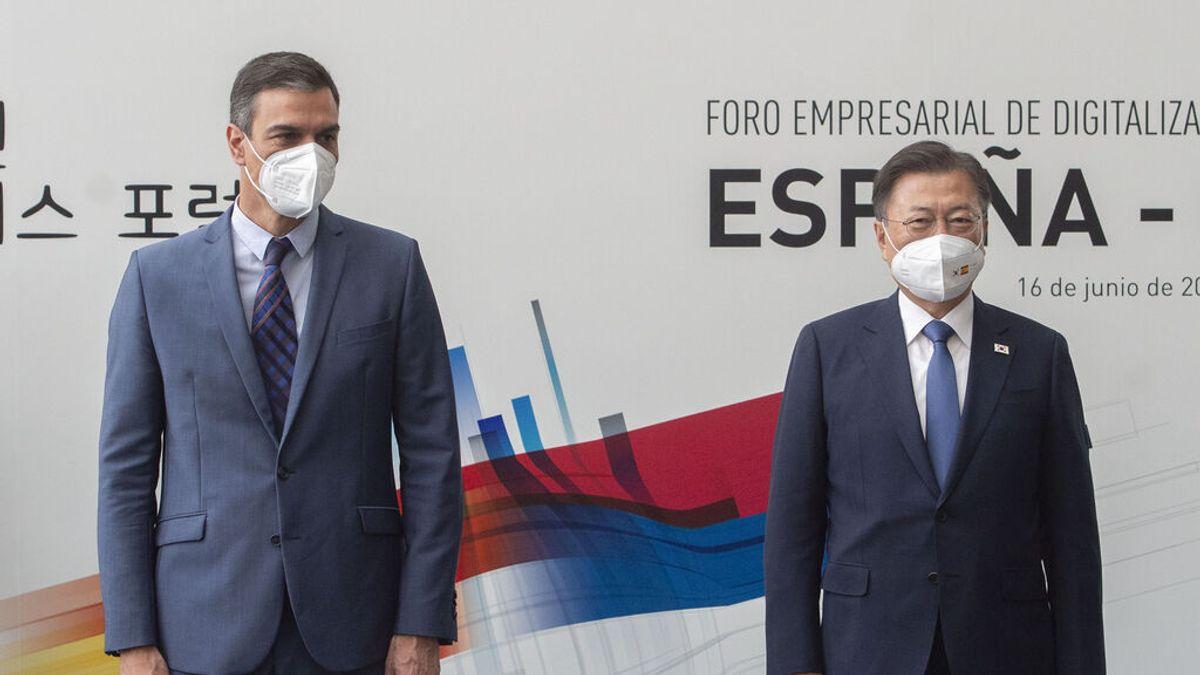 """El coreano de Pedro Sánchez """"ahoga de la risa"""" en la Red y llega a la televisión de Corea del Sur"""