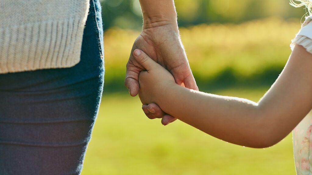 """Se lleva a su hija durante 11 años a Extremadura para que su padre no la viese: """"He salvado una vida"""""""