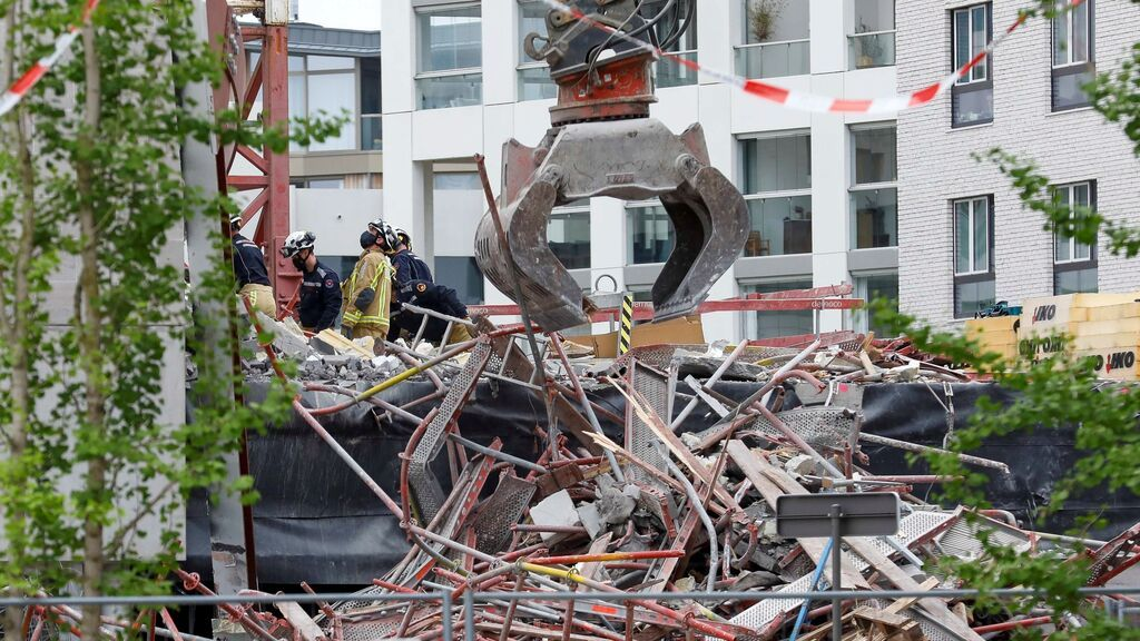 Dos muertos y cuatro desaparecidos al colapsar una escuela en construcción en la ciudad belga de Amberes