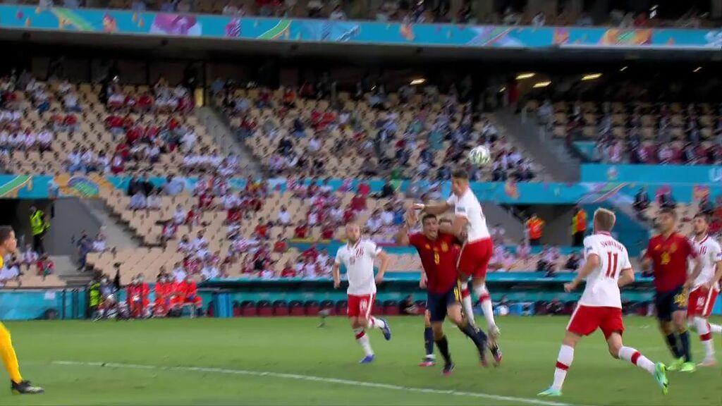 Posible penalti a Gerard Moreno tras asistencia de Morata
