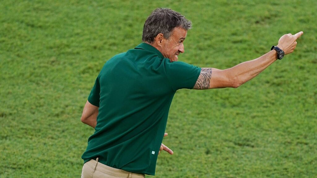 """El cabreo de Luis Enrique en el banquillo contra Polonia: """"Pau, calma"""""""