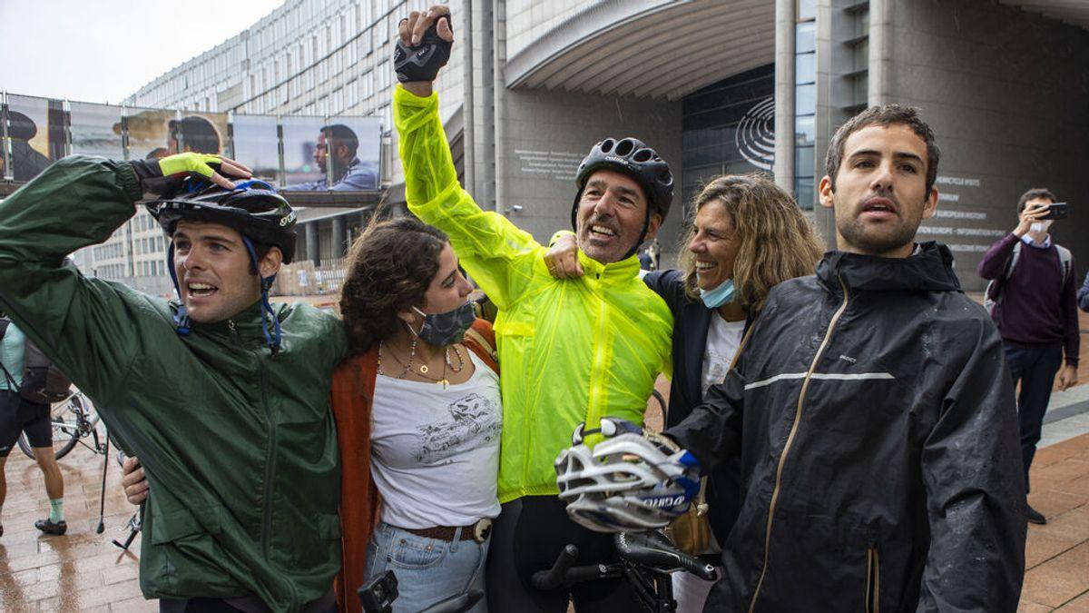 """Jaime Lafita culmina su desafío contra la ELA en Bruselas: """"He pedaleado hasta la extenuación por todos los enfermos"""""""