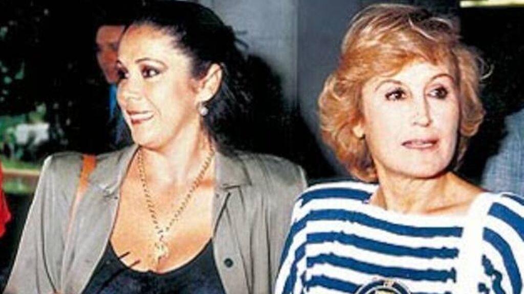 Encarna Sánchez con Isabel Pantoja