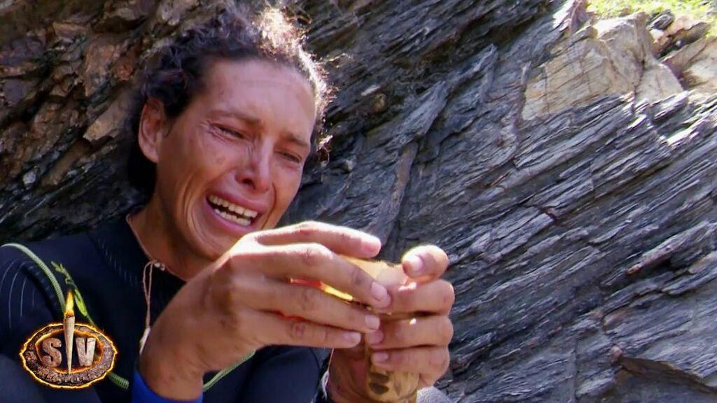 Lara Sajen encuentra el último amuleto escondido en la isla