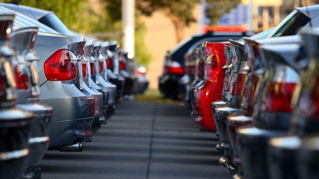Cada automóvil ya paga más de mil euros al año en impuestos: te lo explicamos