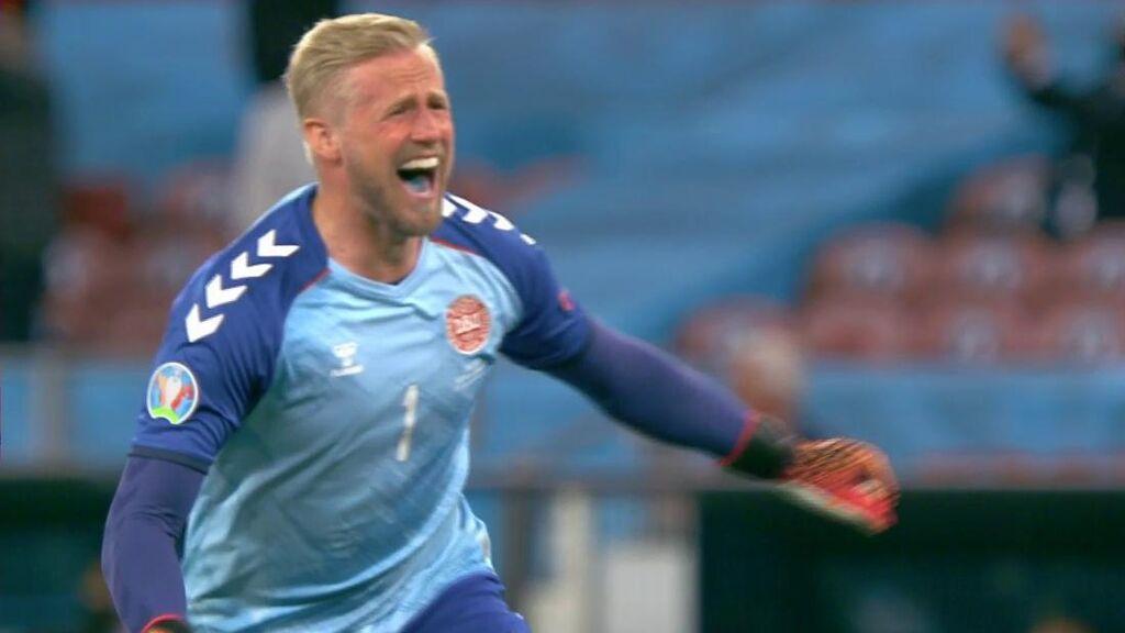 La lengua azul de Kasper Schmeichel se hace viral en la celebración de Dinamarca
