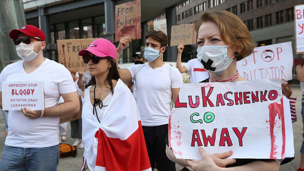 """Europea aprueba sanciones económicas para poner a Bielorrusia """"de rodillas"""""""